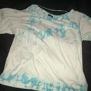 URBAN OUTFITTERS OFF THE SHOULDER T